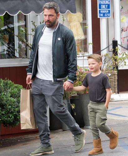 Бен Аффлек признался, что Кайло Рен - его любимый герой. Ведь он спас актёра от грустной ситуации с сыном