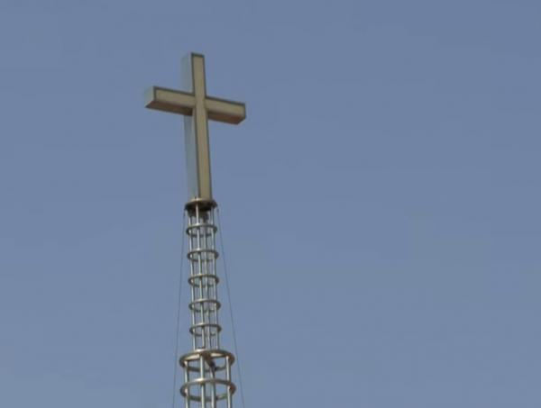 В церкви Южной Кореи люди заразились от общей бутылки воды. Но РПЦ продолжит причастия - Covid утопят в вине