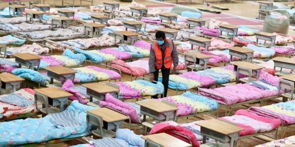 Врач из Китая призвал класть в больницу даже пациентов с лёгкими симптомами COVID-19. Иначе будет, как в Ухане