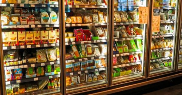 Москва на карантине и дефицит продуктов в магазинах. Фейки про коронавирус, которые пугают людей