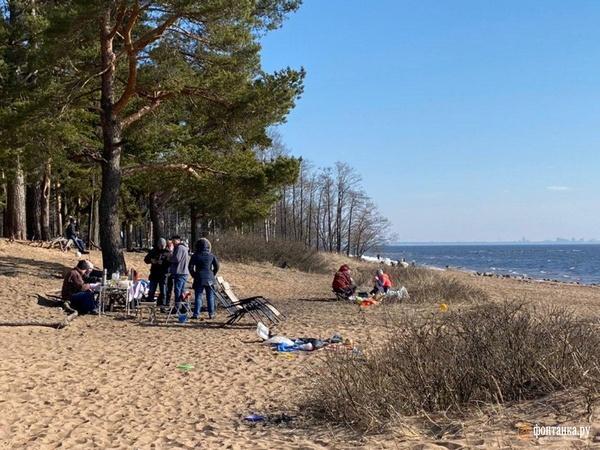 Как россияне провели первый день путинских каникул. С шашлыками и полётами в Сочи, и людям в соцсетях страшно