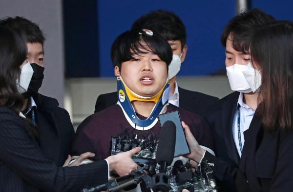 Люди сравнили радфем с фашизмом. Как защита девушек Кореи от настоящего рабства разделила пользователей Сети