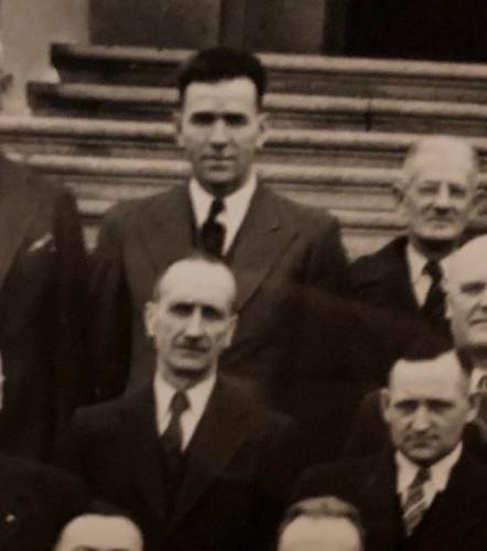 К журналисту попало в руки фото деда Райана Рейнольдса. Поклонники теперь знают, в кого Дэдпул такой красавчик