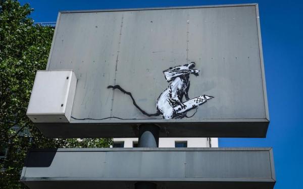 Вор срезал граффити Бэнкси с дорожного щита в Париже. Но этот злодейский план художник разработал сам