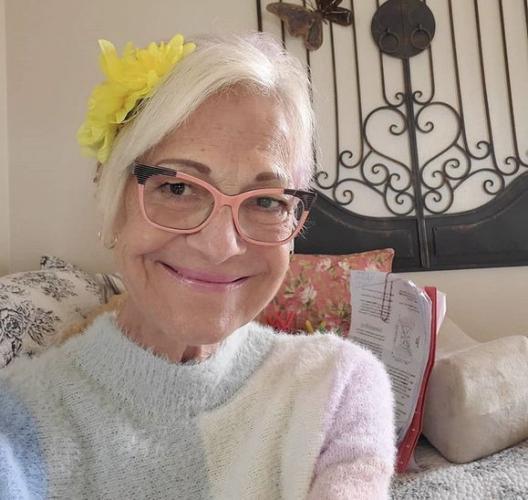 TikTok покоряют не только зумеры. С помощью приложения бабушка смогла заработать себе на медсестру