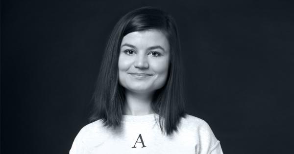 """""""Подозреваю, что там про меня"""". Залина Маршенкулова попросила пересказать ей твит и породила мем о самолюбии"""