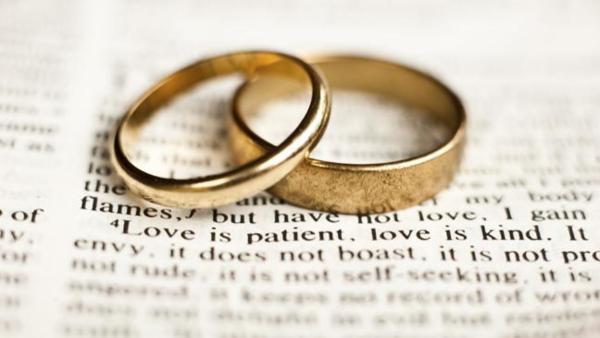 Пара отменила бракосочетание из-за COVID-19. Но они нашли выход, и о такой свадьбе многие даже и не мечтали