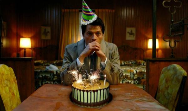 Карантин лишил женщину гостей и настроения на её день рождения. Но праздник был спасён благодаря тысячам людей