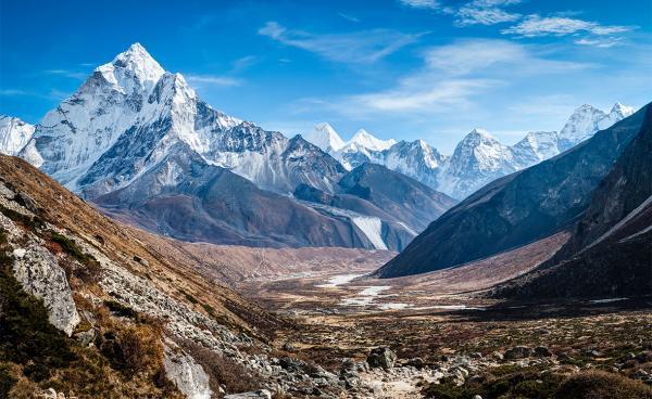 """""""Никогда не думал, что это возможно"""". Жители Индии видят из окон вершины Гималаев, и это впервые за 30 лет"""