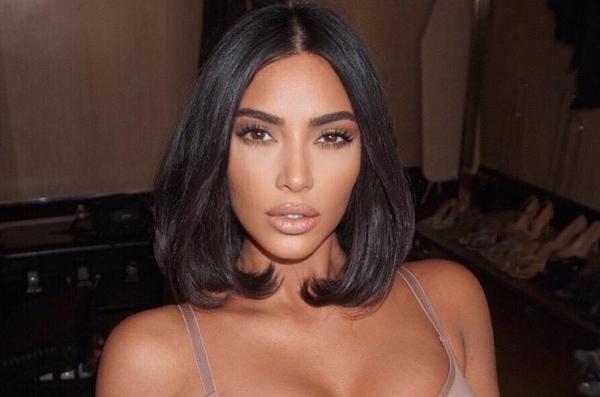 Ким Кардашьян показала фото без макияжа, и фаны в шоке, но приятном. Но главный козырь - её возраст на фото