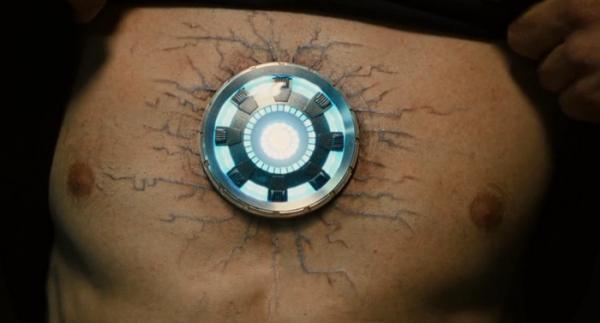 """Marvel подтвердили пасхалку с руками """"Мстителей"""" в финале. Похоже, Тони Старк всё-таки был сердцем команды"""