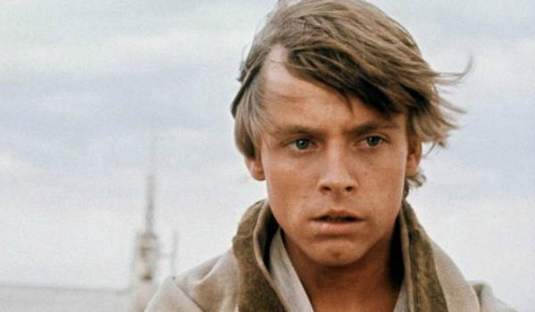 """Парень показал старый снимок своего отца. Но люди видят на нём только Люка Скайуокера из """"Звёздных войн"""""""