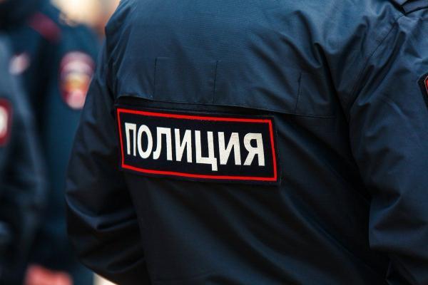 Полиция задержала москвича, гулявшего с собакой, но в соцсетях шутки. Как иначе, когда мужчина - Иисус