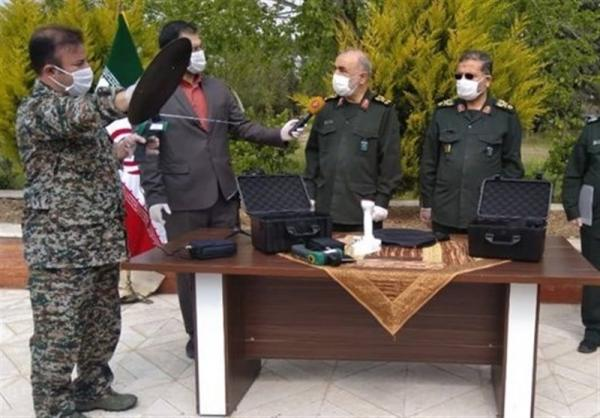 Иранские военные презентовали прибор для борьбы с COVID-19. По их словам, он улавливает вирус на расстоянии