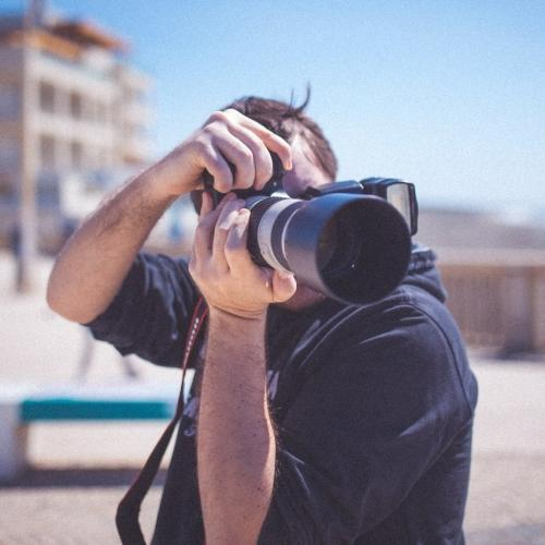 Косплей-фотографа обвинили в абьюзивных отношениях со школьницей. Вот только многие люди винят во всём её саму