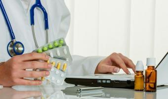 Бесплодие действительно есть в списке побочных эффектов COVID-19. Но дело не в болезни, а в лекарстве от неё