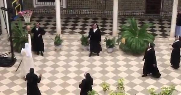 Испанские монахини показали, как играют в баскетбол. И им могут позавидовать даже профессиональные спортсмены