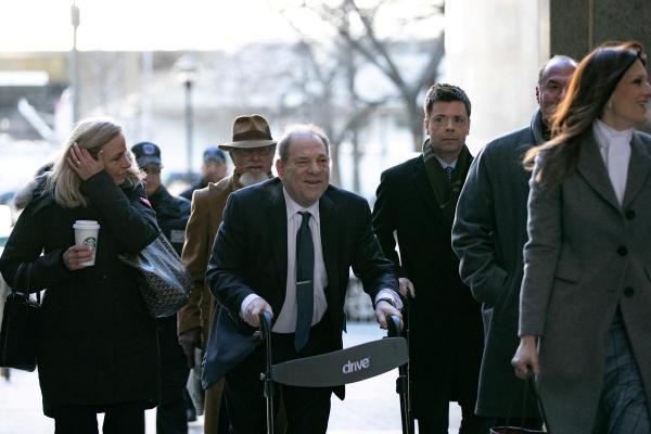 Хоакин Феникс призвал освободить стариков из тюрем из-за COVID-19. И мэр Нью-Йорка уже начал помилования