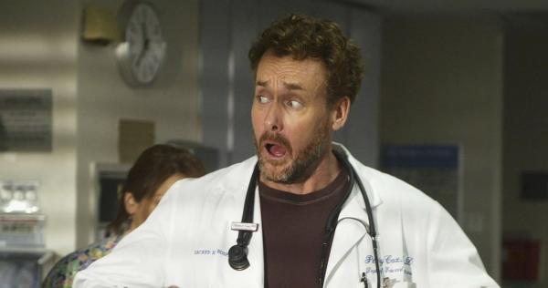 Россиянину с подозрением на COVID-19 не помогли в частной клинике. Выручила скорая, но радоваться он не спешит