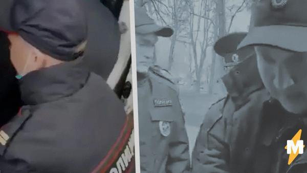 В Москве пожилая женщина нарушила карантин. Её жёстко задержали полицейские - судя по видео сына