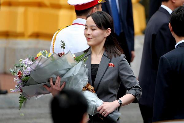 Люди увидели сестру Ким Чен Ына и испугались. Они уверены - Ким Ё Чжон куда опаснее своего брата