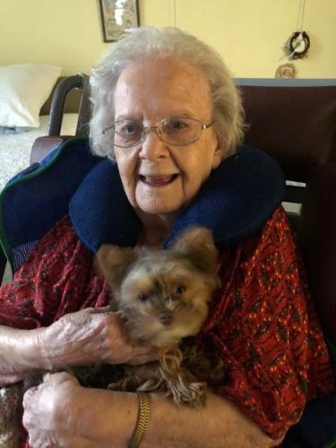 Две сестры умерли от пандемии. Младшая повторила судьбу старшей, только между этим успело пройти 100 лет