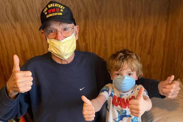 """""""Он довольно хардкорный"""": 95-летний ветеран победил коронавирус - не понадобились даже лекарства"""