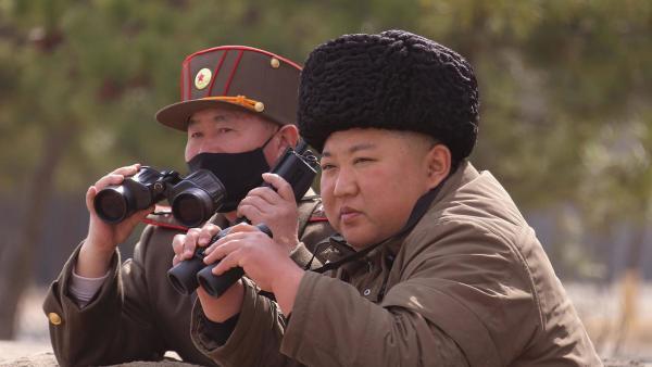 Ким Чен Ын умер от коронавируса, считают СМИ. Но при этом в Северную Корею выехали китайские медики