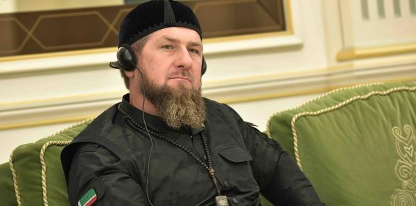 Рамзан Кадыров побрился налысо и показал результат на видео. Всем мужчинам он советует сделать так же