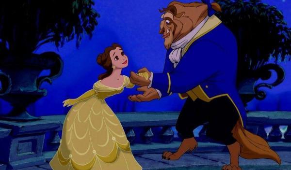 Женщина довела мужа до слёз с помощью старого платья. Она вернула мужчине самый счастливый день в его жизни