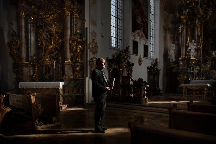 В Баварской деревушке (снова) не боятся чумы с XVII века