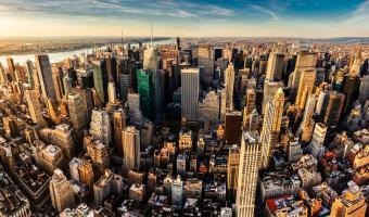 Восемь сотен умерли в Нью-Йорке за сутки. Оказалось, что защита города с первых дней была выстроена ошибочно