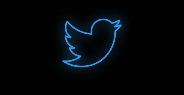 Одним твитом можно сломать себе твиттер - буквально. И выглядит он максимально проклятым