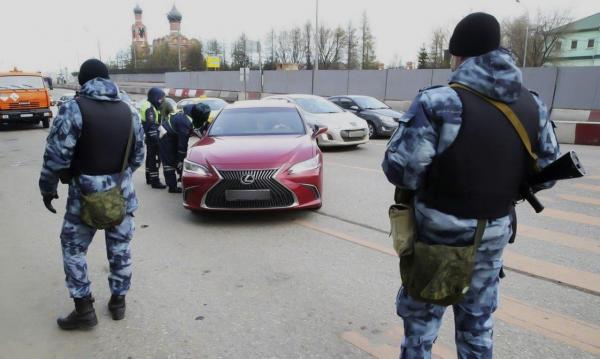 Пропускной режим заработал в Москве и Подмосковье. И пробки теперь даже в метро