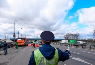 Камеры будут автоматически штрафовать водителей без пропусков. Как Собянин ужесточил карантин в Москве