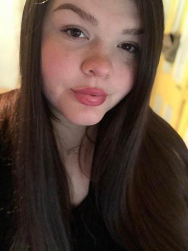 Девушка показала, как изменилось её лицо после похудения. На фото один и тот же человек, но поверить сложно
