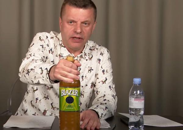 Леонид Парфёнов снялся с Blazer и рассказал про 2007-й. Коктейль не попробовал, но ближе к народу стал