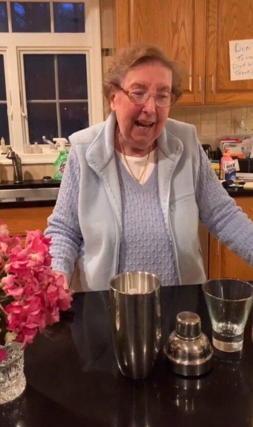 Бабуля ворвалась на TikTok-аккаунт внука и украла его подписчиков.