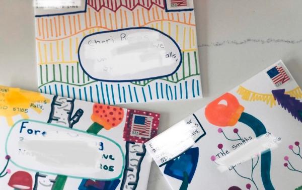 Подросток написала письмо почтальону, а получила десятки ответов со всего мира.