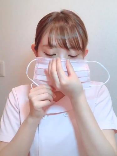 Медсестра показала как правильно носить медицинские маски. Оказывается, всё это время мы надевали её наоборот