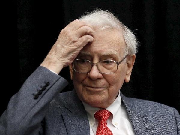 Легендарный инвестор Уоррен Баффет купил семейный бизнес за миллионы долларов. Но его надули при помощи фотошопа