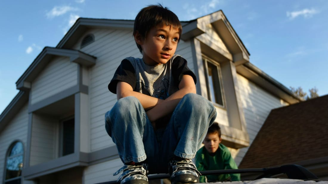 В Сети вспомнили историю мальчика на воздушном шаре. Прошло 10 лет, но нынешние фейки так и не переплюнули её