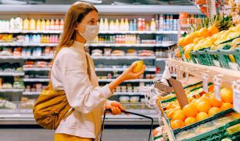 Могут ли не пустить в магазин без маски? Власти поставили точку в споре продавцов и недовольных покупателей
