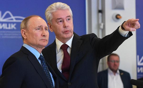 Максим Галкин спародировал в инстаграме совещание о карантине. Вышло несмешно, зато понятнее, чем у Собянина