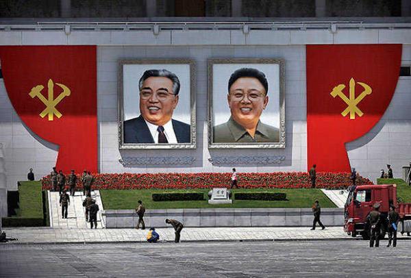 Власти КНДР признали, что Ким Чен Ир не умел телепортироваться. А ведь северокорейцы были уверены: он - Хокаге