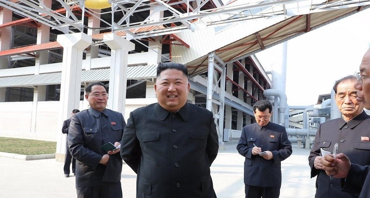 """В Сети поняли, почему Ким Чен Ын """"воскрес"""" спустя 20 дней. Оказывается, глава КНДР ждал чужой реакции и мемов"""