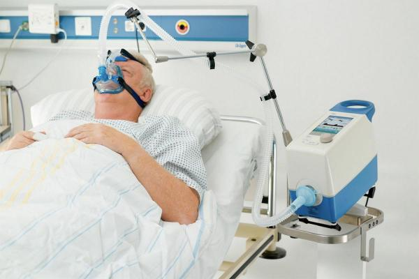 Больницы отказываются от «самовозгорающихся» аппаратов ИВЛ из России. Теперь их дефицит станет ещё ощутимее