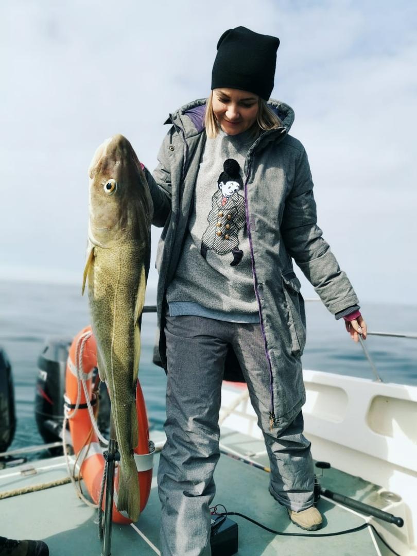 Чиновники нарушили карантин ради рыбалки. Неизвестно, что круче – их оправдания или огромная «спасённая» рыба