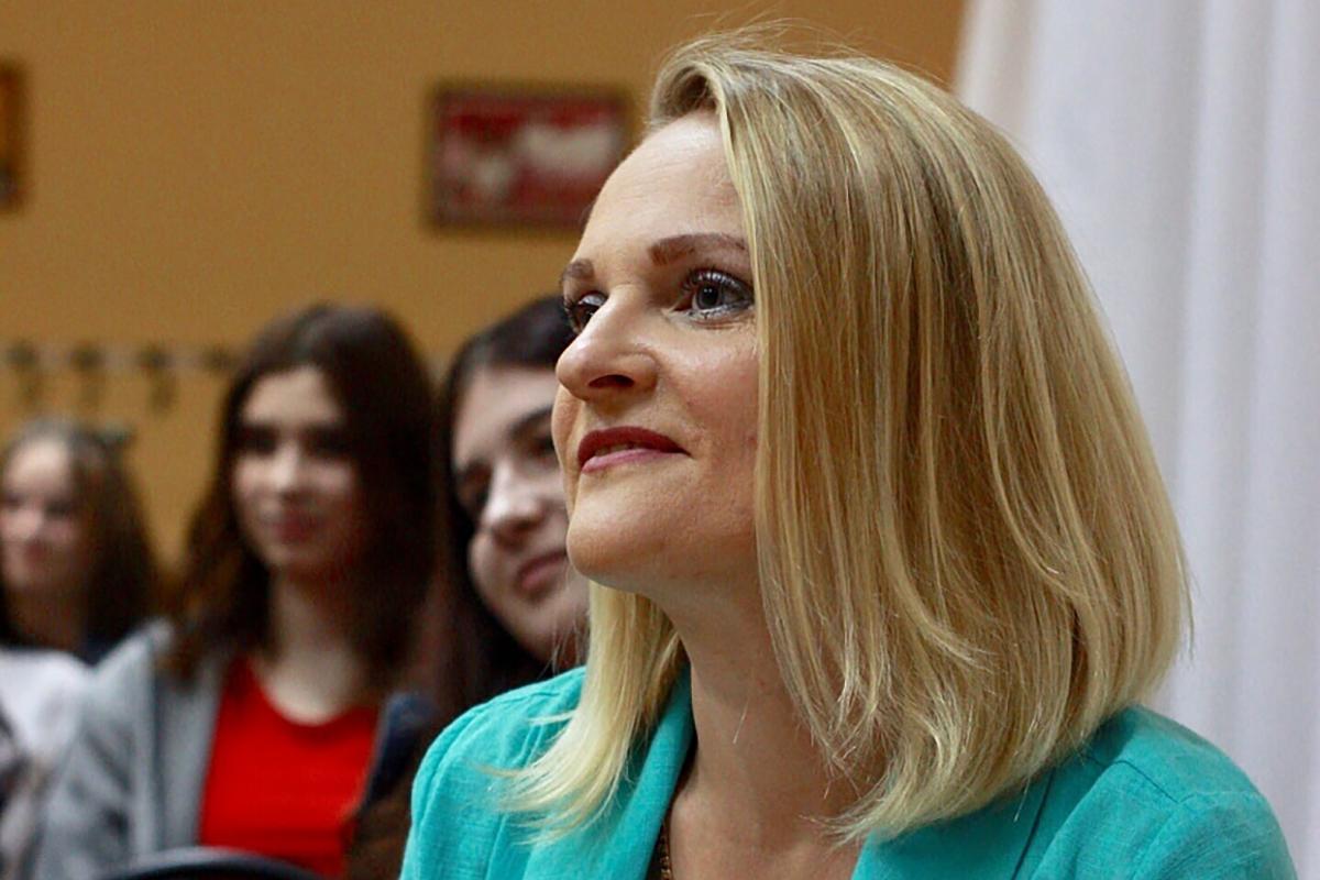 Саратовская чиновница выступила против выплат семьям. Вышел мем не хуже «государство не просило вас рожать»