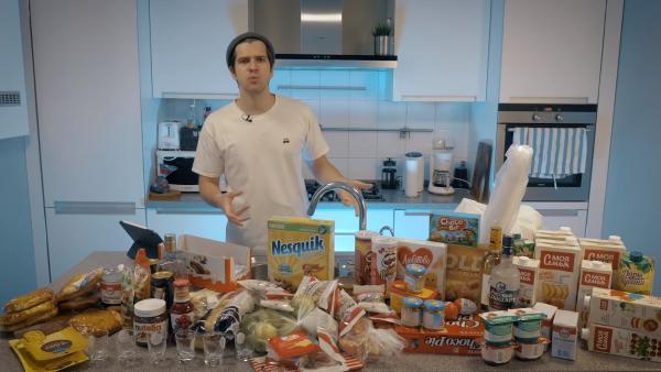Блогер Руслан Усачев вернул 2007 год и проверил, как выросли цены. И официальная статистика, похоже, в пролёте